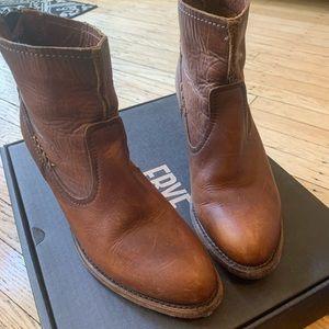 FRYE Leslie Artisan Cognac Boots